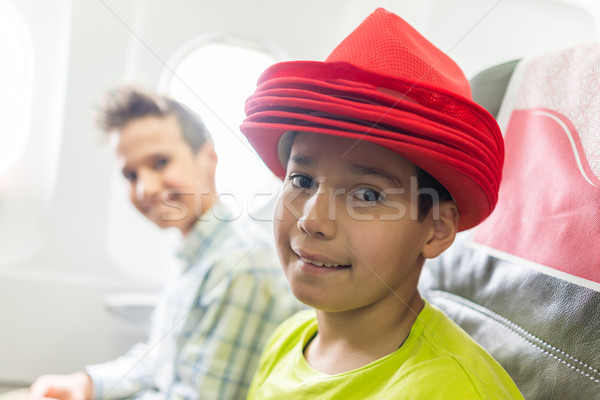 çocuk uçak çocuk düzlem erkek Stok fotoğraf © zurijeta