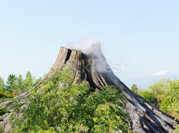 Stockfoto: Vulkaan · boom · landschap · berg · rook · Blauw