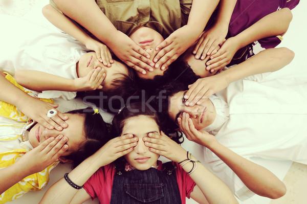Gyerekek fedett vak szemek csoport lányok Stock fotó © zurijeta