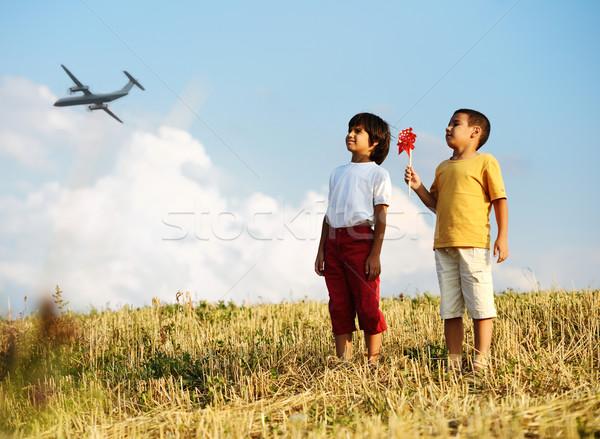 Küçük erkek açık havada pervane oyuncak yaz Stok fotoğraf © zurijeta