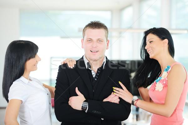 Retrato jóvenes exitoso equipo de negocios oficina empresario Foto stock © zurijeta