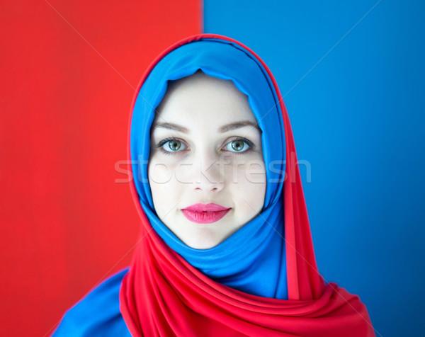 Piękna arabskie dziewczyna szalik niebieski Zdjęcia stock © zurijeta
