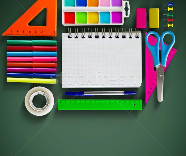 Zurück in die Schule Schulbedarf grünen Papier Buch Studenten Stock foto © zven0